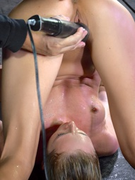 Bound in a piledriver, pic #8